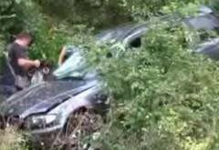 ACCIDENT în Prahova. O maşină s-a răsturnat în râpă, la Posada