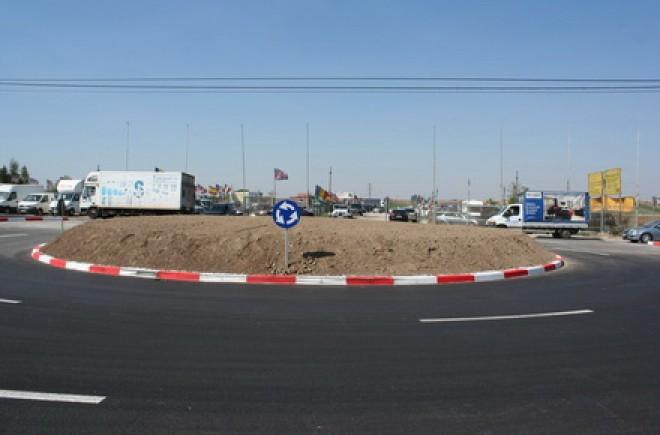 Două sensuri giratorii noi pe DN1B