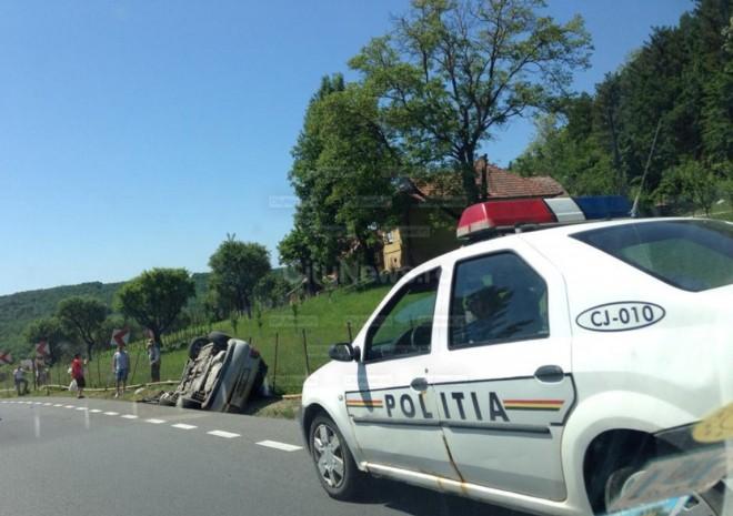Accident pe DN 1. O mașină s-a răsturnat la Sinaia
