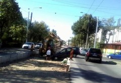 O mașină a ajuns în ȘANT pe Soseaua Vestului