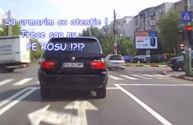 Cum sfidează un ploieștean cu BMW legea! Trece numai pe roșu! VIDEO