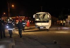 Accident GRAV în Băicoi. Un TIR a intrat într-un microbuz cu persoane. 19 răniţi FOTO