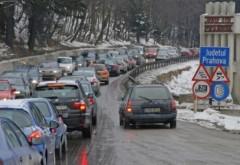 Trafic de cosmar pe DN1. S-au format coloane de masini pe zeci de kilometri din cauza numarului mare de turisti