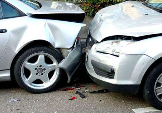 Accident în lanţ pe DN1A, la Lipăneşti