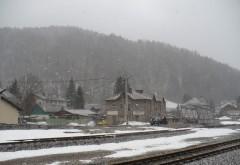 STAREA DRUMURILOR din ţară. Unde se circulă în condiţii de iarnă şi unde ninge în Prahova