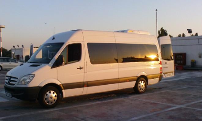 Continuă acţiunile de verificare a transportului de persoane în Prahova. Se dau AMENZI URIAŞE