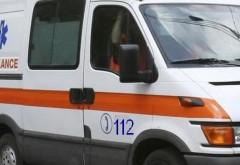 Accident grav la Boldești Scăeni. Două persoane aflate pe motocicletă, transportate la Spitalul Judeţean