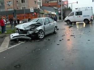 Accident în Malu Roșu. O persoană este rănită