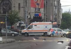 Accident rutier în centrul Ploieştiului. Două maşini s-au ciocnit, o persoană a fost RĂNITĂ FOTO