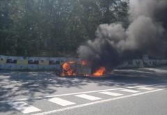 Accident cumplit pe DN1 la Nistoreşti. O maşină răsturnată a luat foc