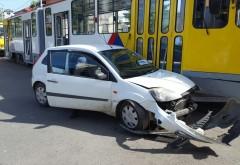 ACCIDENT intre un tramvai şi un autoturism în Ploieşti