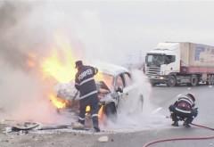 Un autoturism a luat foc pe DN1 in Campina