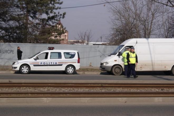 Transport ilegal de persoane sancționat de polițiștii din Plopeni