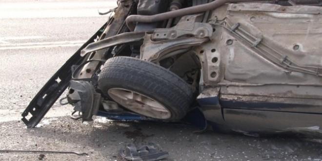 Accident grav pe DN1, la Campina. Un sofer a fost grav ranit dupa ce s-a rasturnat cu masina