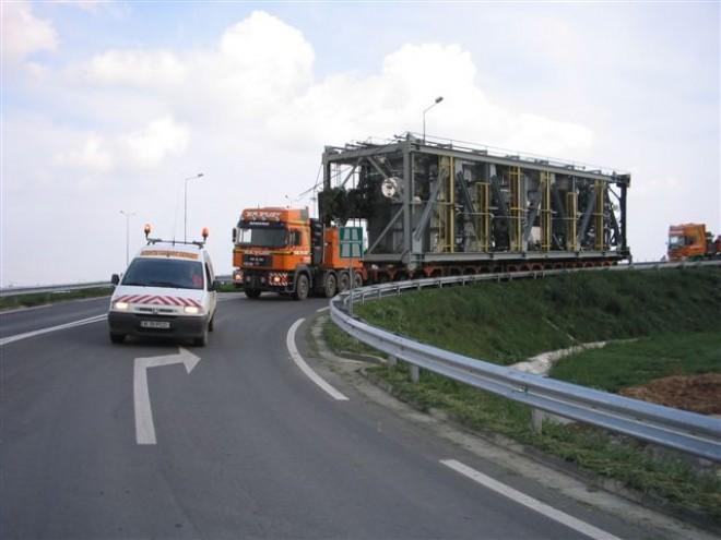 Atenție, șoferi! Transport agabaritic pe drumurile din Prahova