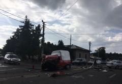 Accident rutier pe DN1, în Puchenii Mari. Trei maşini implicate şi două persoane rănite GALERIE FOTO