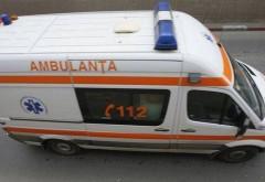 Accident rutier la Ploieștiori. O maşină s-a RĂSTURNAT în impact