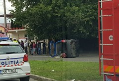 ACCIDENT RUTIER pe strada Găgeni. O maşină s-a răsturnat pe carosabil FOTO