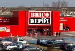 Accident în parcarea Brico Depot din Ploieşti. Un şofer a intrat în conducta de gaze