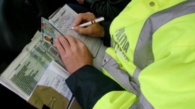 Mai mulţi şoferi din Prahova au rămas fără permis de conducere. Ce infracţiuni au comis