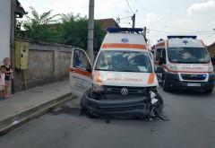 Accident grav in Ploiesti, in zona Radu de la Afumati. Ambulanta implicata