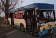 ACCIDENT extrem de GRAV pe DN 1D! O autoutilitară a intrat într-un autobuz care transporta pasageri: 12 victime