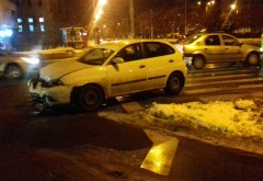 Accident in intersectia din Piata Anton