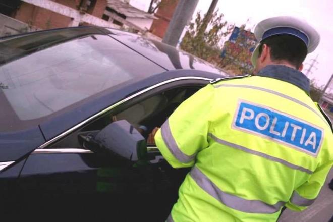 Peste 500 de amenzi, aplicate de poliţiştii rutieri în ultimele zile