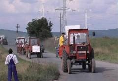 Tractorul poate fi condus pe drumurile publice fără permis, a decis Instanţa Supremă