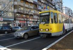 Accident pe Strada Democraţiei între un tramvai şi o maşină