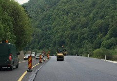 Lucrări de asfaltare pe DN 1, la Azuga
