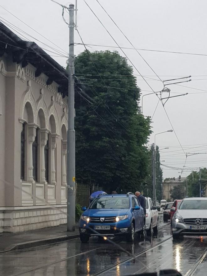 Tamponare pe linia de tramvai, în zona fostului Tribunal- FOTO