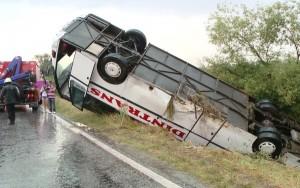 GRAV accident la graniţa cu Prahova! Un autocar cu zeci de copii s-a răsturnat! Planul ROŞU de intervenţie, activat