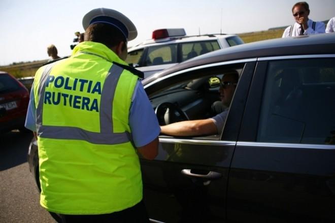 TUPEU de şofer! Vitezoman pe DN 1, cu permisul suspendat
