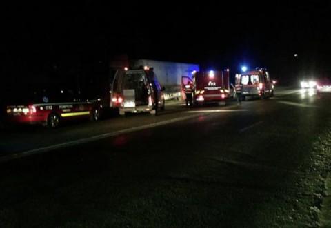 Accident la Valea Calugareasca. O femeie a fost spulberata de un camion. Trafic restrictionat