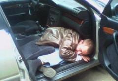 Strazile, din ce in ce mai periculoase! Un sofer a fost prins mort de beat, la volan, pe o strada din Ploiesti
