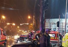 ACCIDENT TERIBIL, la peste 190 de km/h, în oraș! Un bărbat și o fată de 17 au murit pe loc, alte două tinere sunt rănite: Transmiteau LIVE când au murit