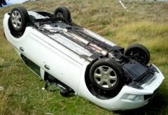 Accident rutier la Bucov. O masina s-a rasturnat