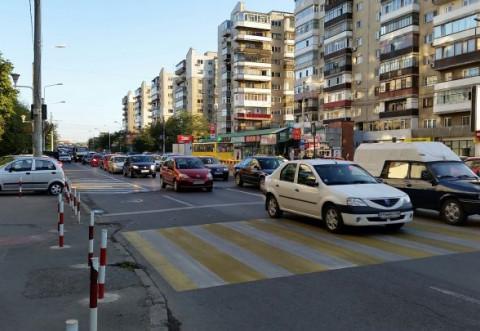 Un nou accident in Bariera Bucuresti, pe trecerea pentru pietoni! Un barbat a fost lovit de masina