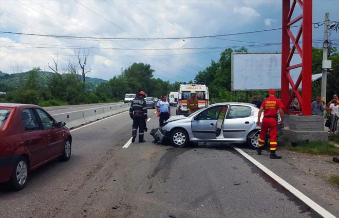 Accident pe DN 1, in Campina. Trei masini implicate