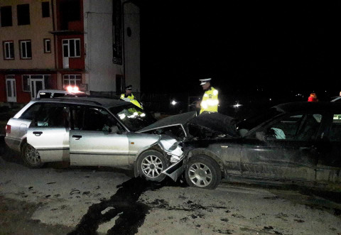 Accident cu trei masini in Ploiesti, pe str. Domnisori