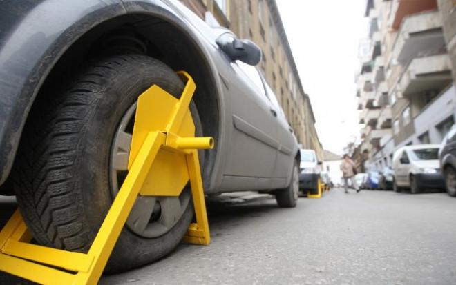 """In Ploieşti, peste 3.000 de maşini au fost """"blocate"""""""