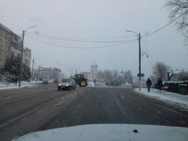 Ninge in Prahova. Cum se prezinta drumurile si unde se circula ingrunat