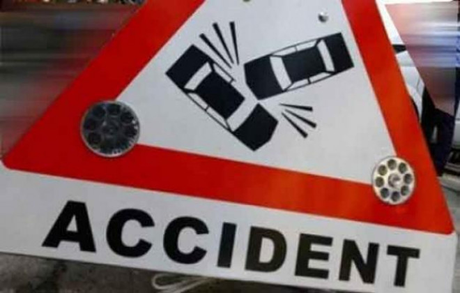Accident pe DN 1, la Baicoi. O masina a iesit in decor