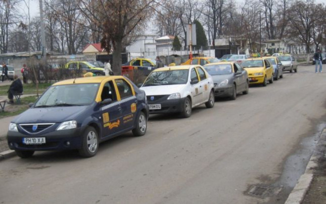 Un taximetrist din Ploiesti, cautat de Politie dupa ce a lovit o femeie pe trecere si a plecat