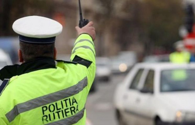 Actiuni ale Politiei Prahova, pe drumurile din judet. Mai multi soferi au devenit... pietoni