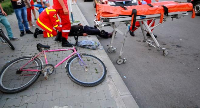 Accident in Ploiesti, pe strada Nicolae Titulescu. Un biciclist a fost spulberat de masina