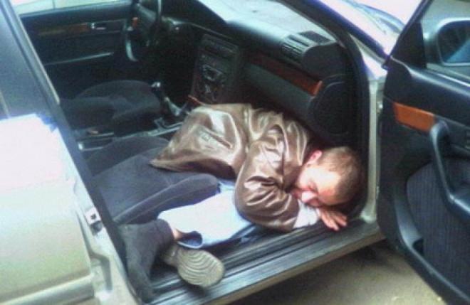 Dosar penal pe numele unui barbat prins beat la volan, pe o strada din Ploiesti