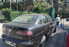 Cat de nesimtit sa fii? Un șofer a blocat cu mașina intrarea la Sala Sporturilor