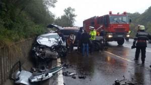 Accident grav pe DN 1, la Nistoresti. Doua masini implicate, una s-a rasturnat